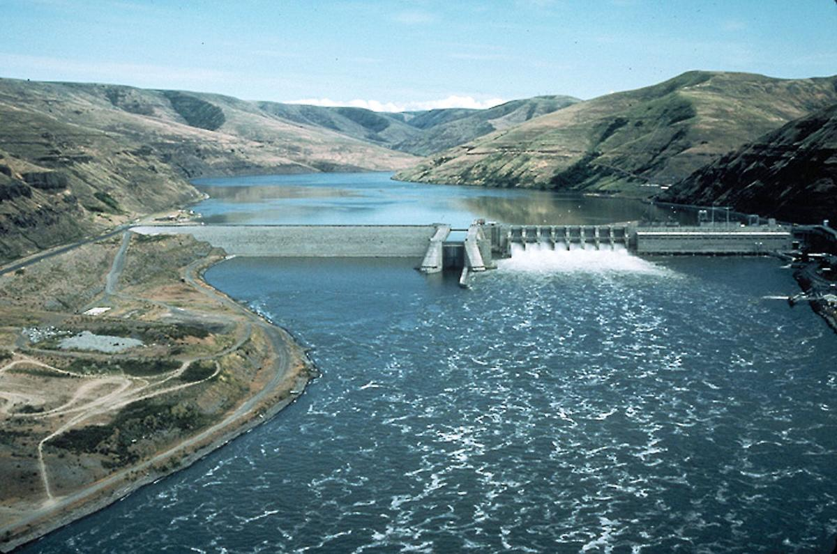 A large dam across the Snake River